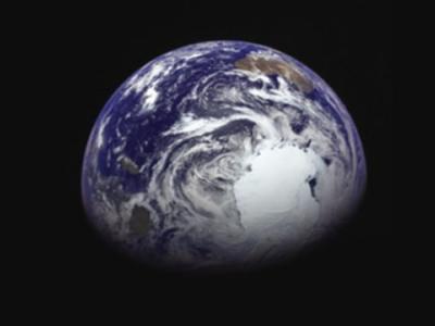 """日本公布小行星探测器""""隼鸟2号""""拍摄的地球图像"""