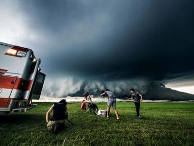 美国追风摄影师龙卷风下玩命
