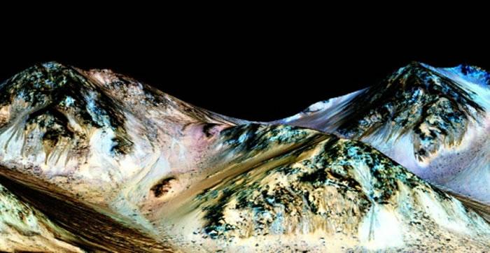 火星上的沟渠可能是由干冰雕凿出来的
