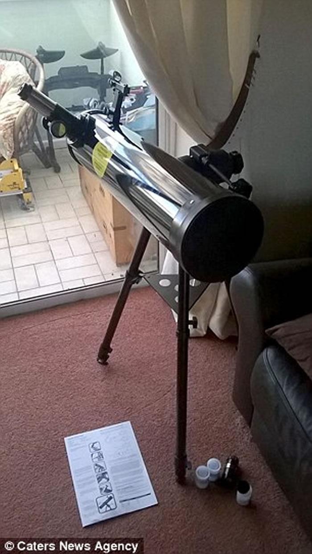 Marcus Reed使用一支102毫米的反射望远镜和iPhone上的app,成功拍到土星