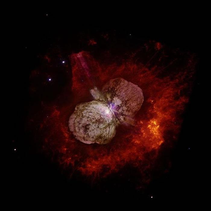 发现星系M83存在一对孪生海山二侯选天体