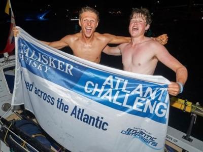 英国两名青年成功横渡大西洋打破世界纪录