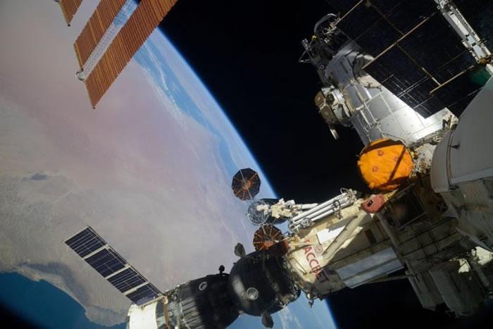 美国航天航空局向国际空间站运送货物的织