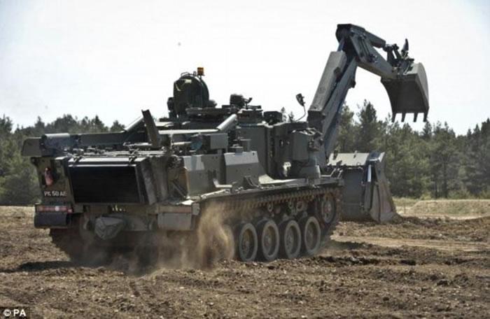 """英国研制新款万能坦克""""Terrier"""" 被誉为""""瑞士军刀"""""""