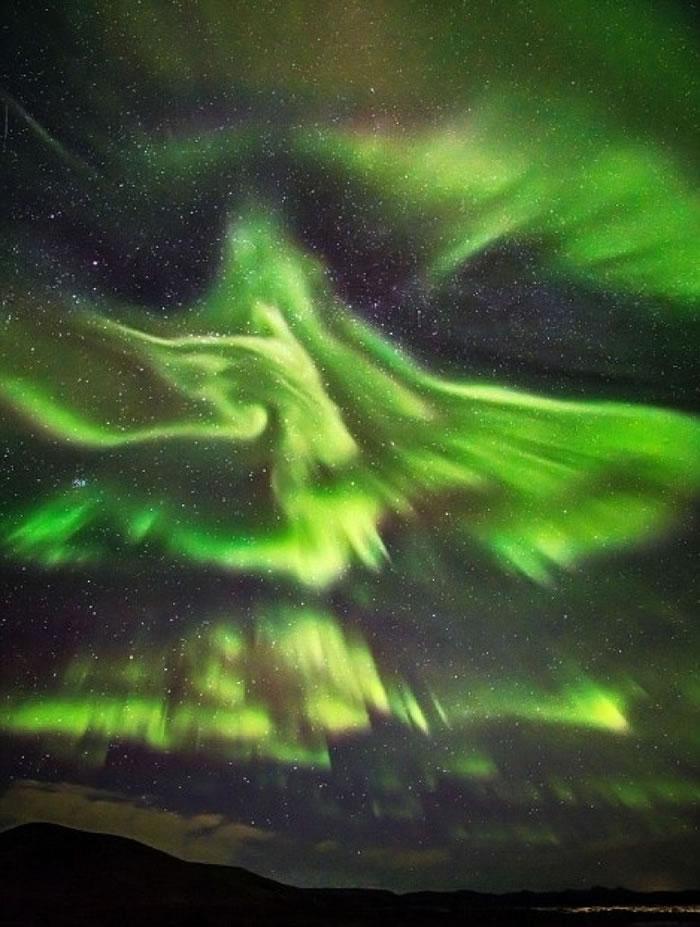 北极光的图案千变万化。