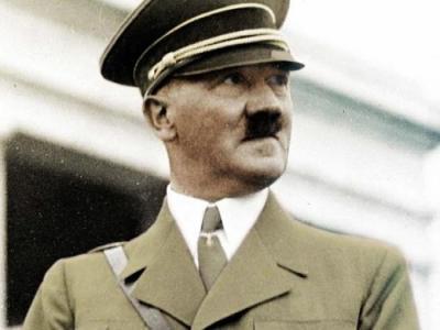 你知道历史上一些独裁者的第一份工作是什么吗?斯大林曾是一名神父