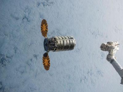 """""""飞船火焰实验"""":美国航天局将在太空纵火""""烧""""天鹅座飞船"""