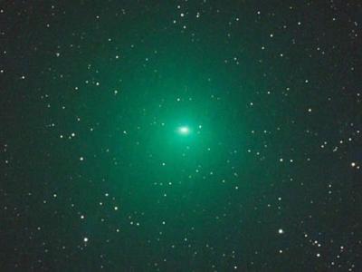 明亮绿色彗星Comet Linear移近地球 比天文学家之前预测要光100倍