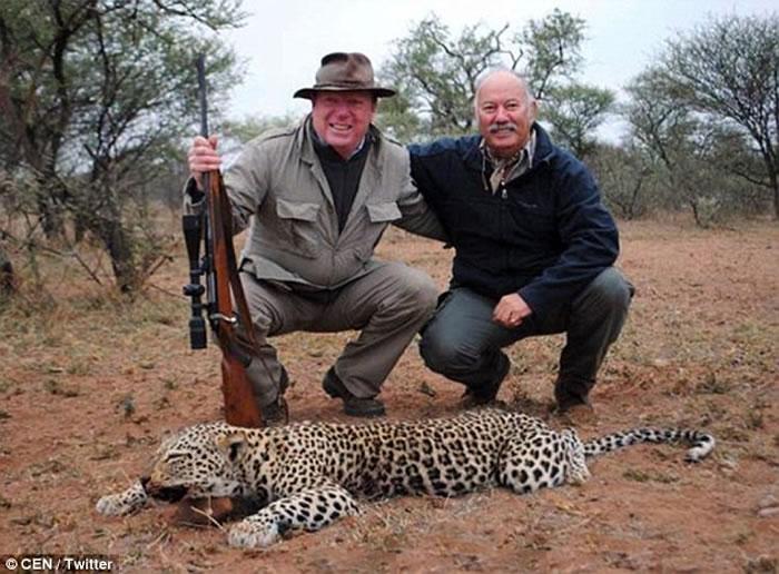 西班牙谐星非洲游猎 上载猎杀猎豹及羚羊照片遭网友狠批
