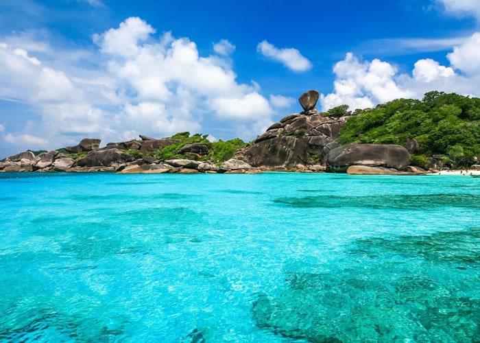 斯米兰群岛被选为十大最佳潜水胜地之一。