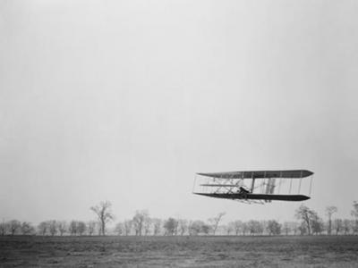 美国莱特兄弟飞机专利申请表消失36年后在石灰岩洞发现