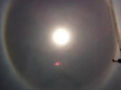 """上海惊现UFO?""""红点""""飞近太阳极速消失"""