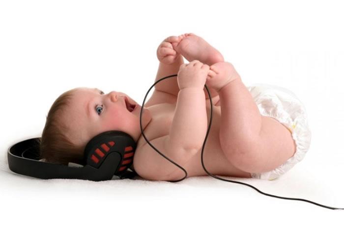 想让宝宝迅速学习说话?美国最新研究称放