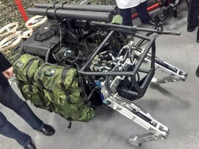 俄罗斯军方宣布正研发机器骡战斗机器人