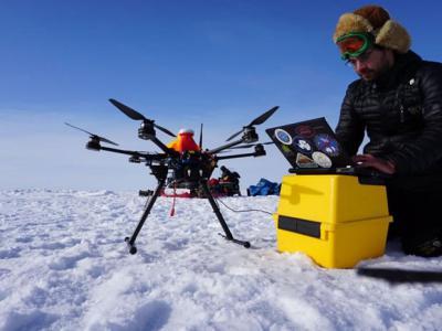 用无人机探索北极