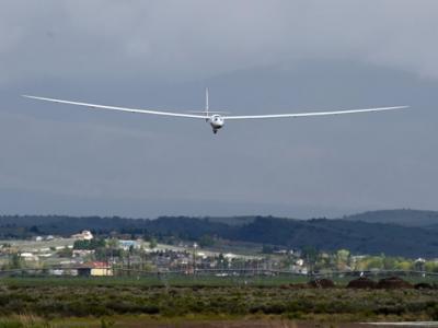 空中巴士研发的珍珠楼二型(Perlan 2)飞行成功证太空滑翔机不是梦
