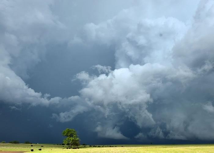 俄克拉何马州的天气极不稳定。