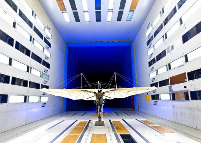 团队重新制造出利林塔尔的滑翔机。