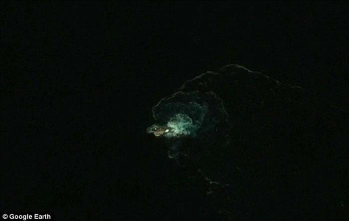透过Google Earth在南极洲发现长达120米挪威海怪?