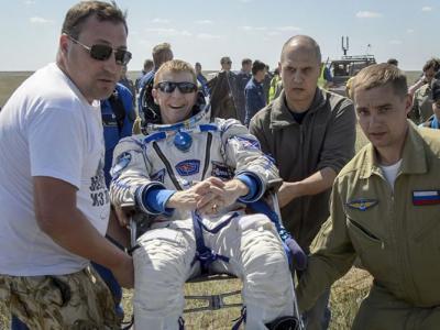 英国首位登上国际太空站的太空人重返地球的第一件事是想吃薄饼喝啤酒