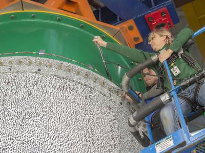 """NASA为登陆火星 积极研究""""石墨环氧树脂""""为火箭瘦身"""