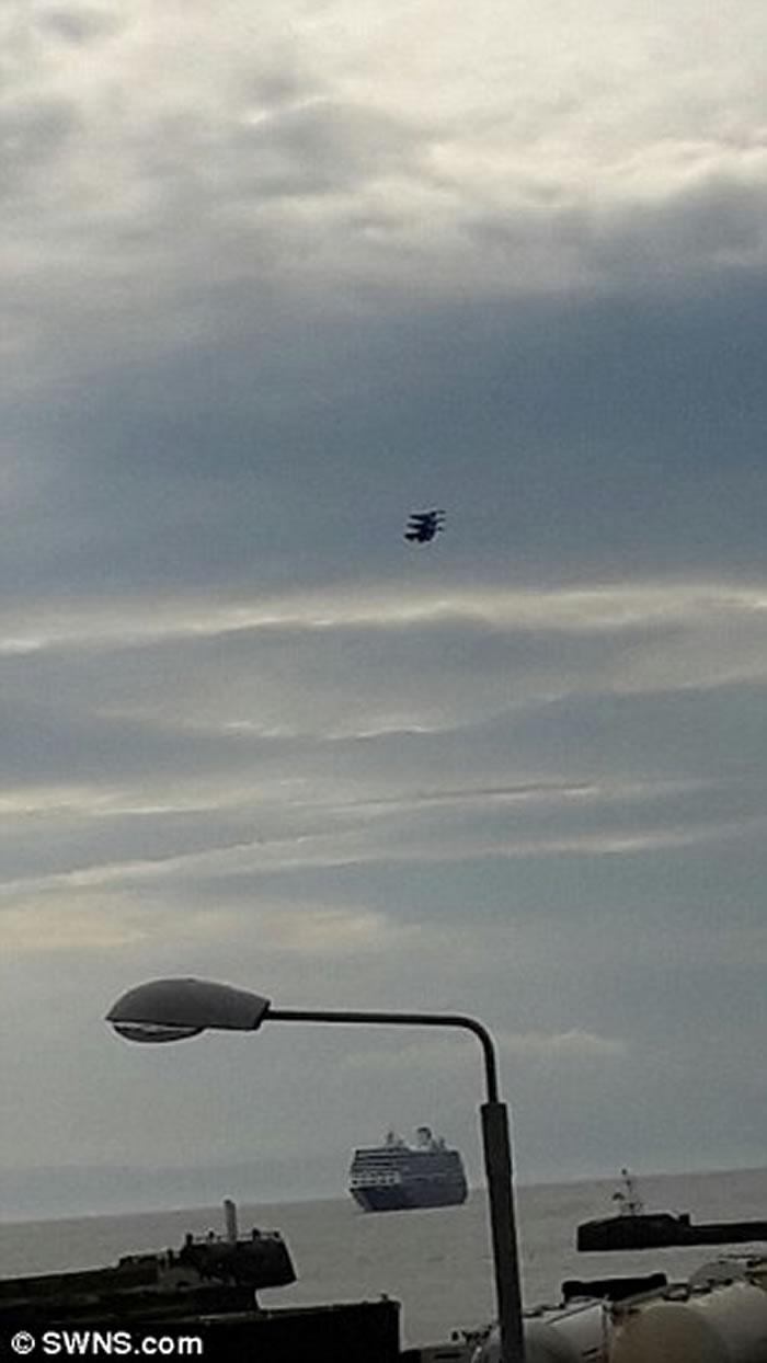 苏格兰上空出现外形如蜘蛛的疑似UFO
