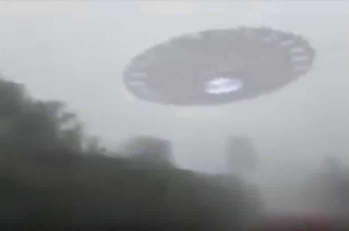 史上最清晰UFO画面?非洲肯尼亚内罗毕有人拍到大型飞碟从头顶飞过