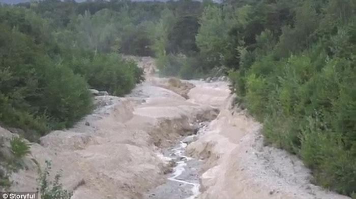 瑞士摄影师等2年终于拍到阿尔卑斯山泥石流