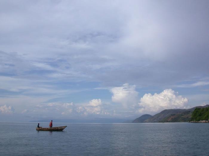 持续的气候变暖正在减少非洲坦噶尼喀湖的捕鱼量