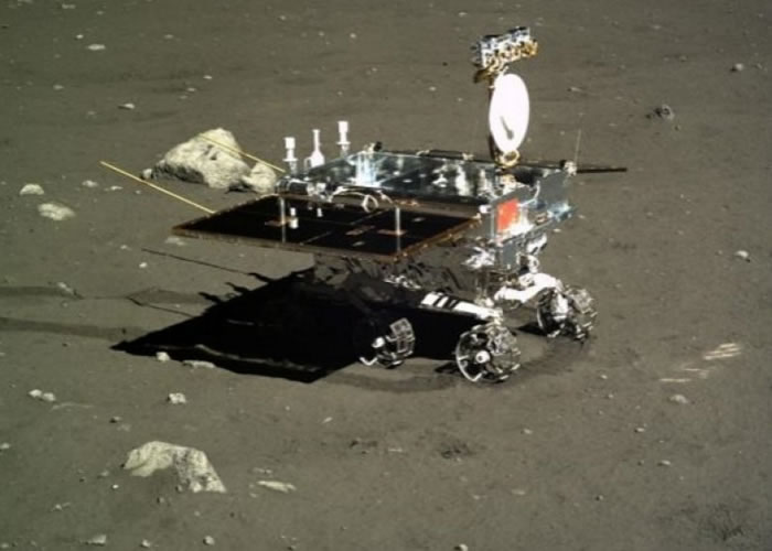 """""""玉兔号""""月球车曾协助取得多项科研成果。"""