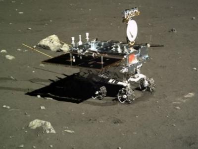 """中国首辆月球车""""玉兔号""""两年半服役生涯结束 获多项科研成果"""