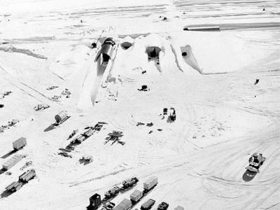 全球暖化:美军冷战时期在格陵兰建造的世纪营军事基地有毒物质可能重新暴露
