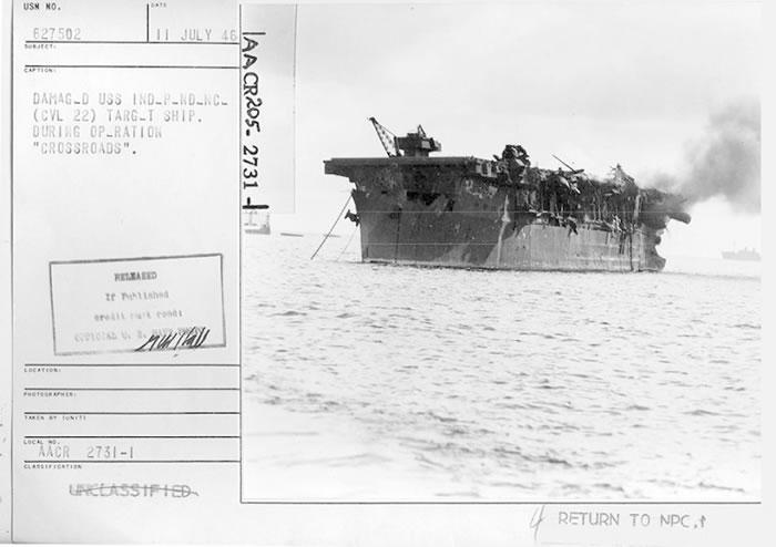 军舰损毁严重。
