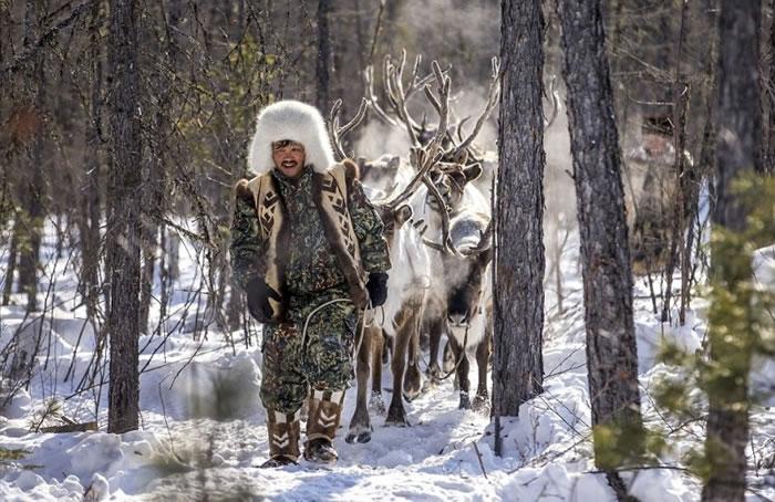 原住民以养鹿维生。
