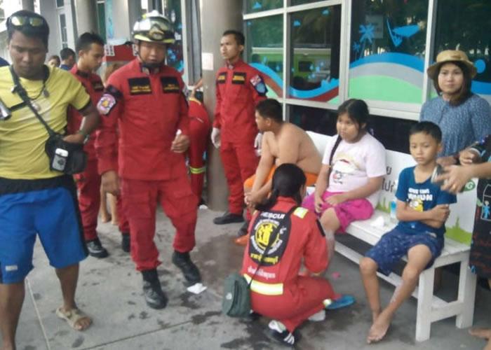 游客被水母蜇伤。