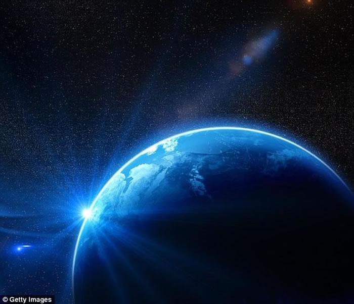 研究组指出,从宇宙的时间尺度上看,地球上的生命出现的时间太早了,并认为在宇宙中其他拥有宜居环境条件的星球上,只要假以足够长的时日,也一定会出现生命