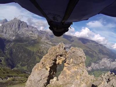 意大利定点跳伞运动员Uli Emanuele拍摄极限跳伞 却拍下自己的死亡过程