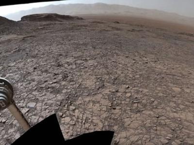好奇号拍下火星360度全景照片 地貌与地球非常相似