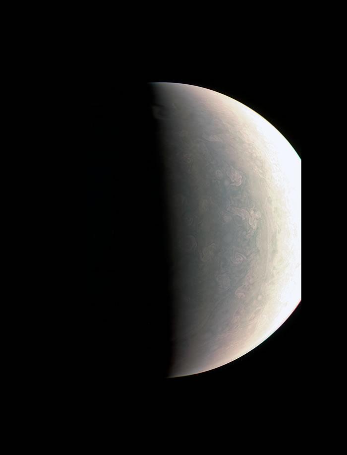 木星北极比其他地域还蓝