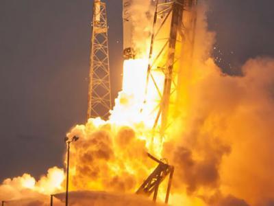 上太空必有风险:SpaceX猎鹰九号火箭爆炸