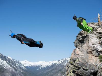 2016年定点跳伞(BASE jumping)运动员死亡人数为何骤升?