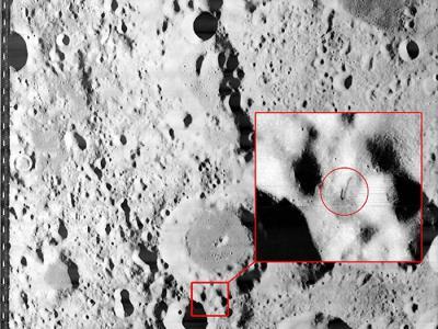 月球表面发现外星人基地屋顶的天线?