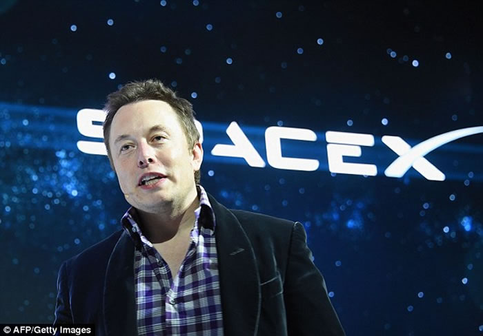 SpaceX猎鹰9号火箭爆炸 马斯克:不排除UFO所为