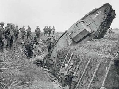 《底波拉与战争坦克》:一战康布雷战役德军意外获情报 英军坦克遭猛烈抵抗
