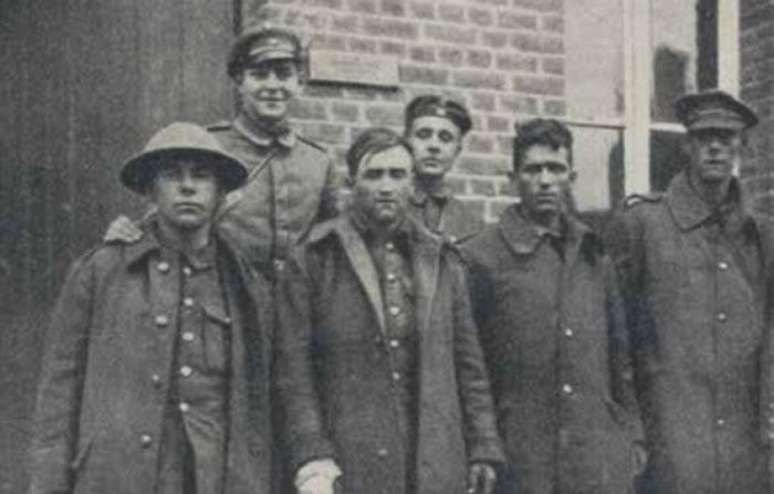 德军意外俘掳数名英兵。