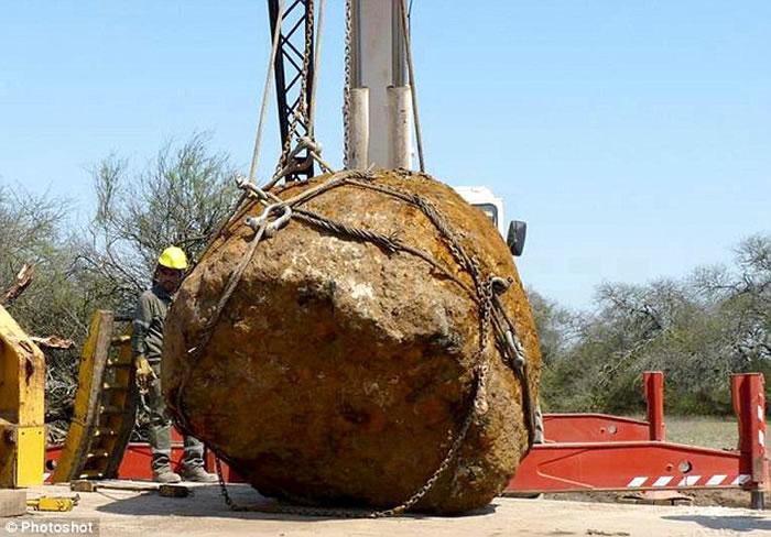 阿根廷出土或是全球第二大的3万公斤巨型陨石