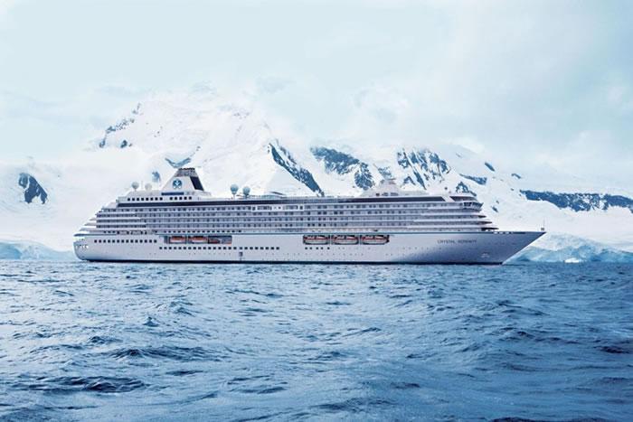 水晶尚宁号在西北航道上航行。