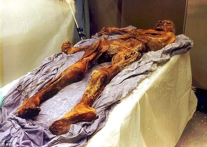 奥茨是学界迄今为止所发现最古老、保存最完整的人类遗体。