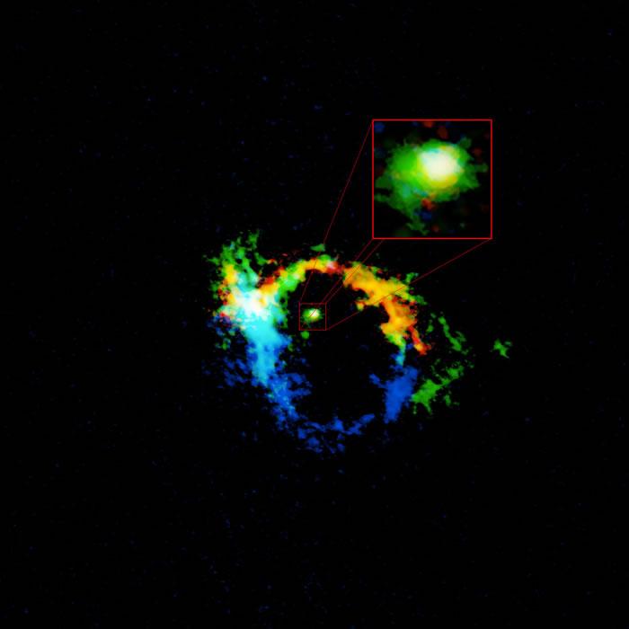 NGC1068星系中心的气体尘埃盘实际上是由它所匿藏的黑洞所抛出之物质形成的。