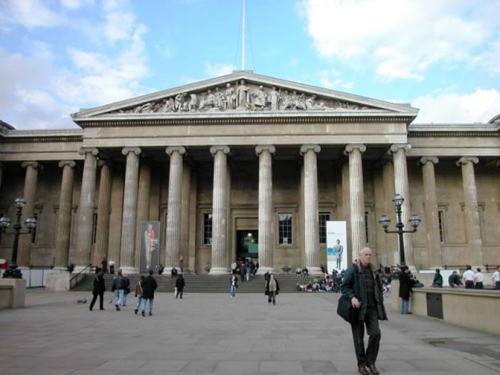 大英博物馆收藏大量从非洲及亚洲掠夺的文物。